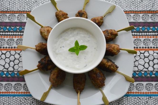 Lamskofta met Griekse yoghurt.JPG