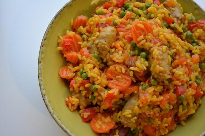 rijstpannetje-met-saffraan-en-worst