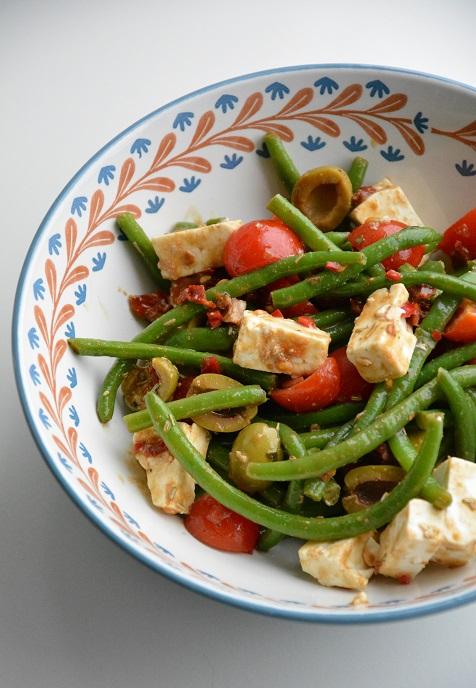 mediterraanse-bonensalade-met-tomaatjes-1