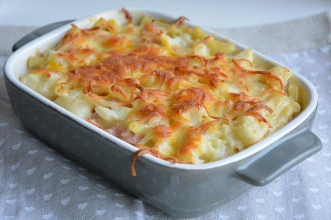 macaroni-met-kaas-ham-en-bloemkool