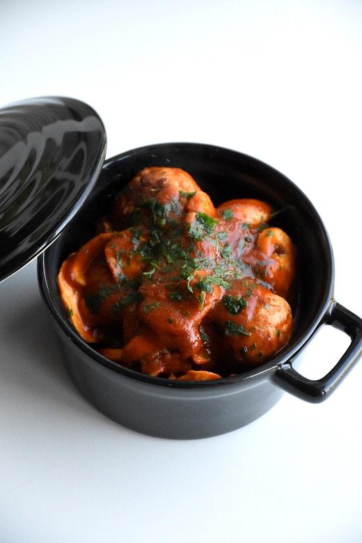 Kippenballetjes in tomaat-champignonsaus (1)