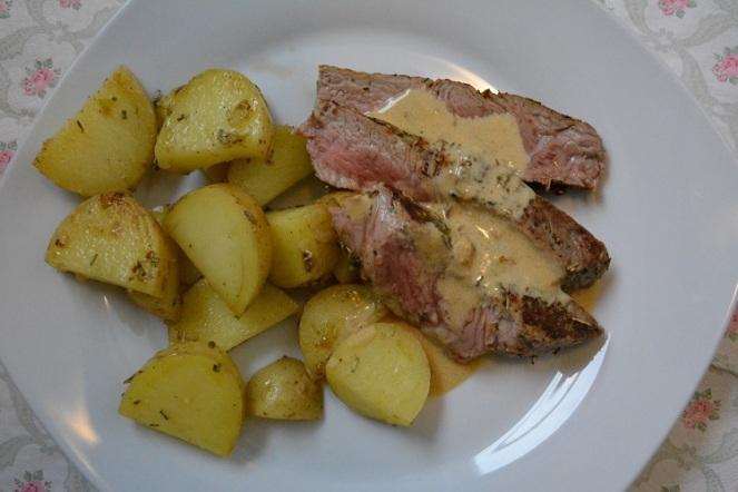Rumsteak met gebakken aardappelen