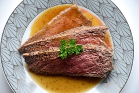 Rosbief met vleessaus