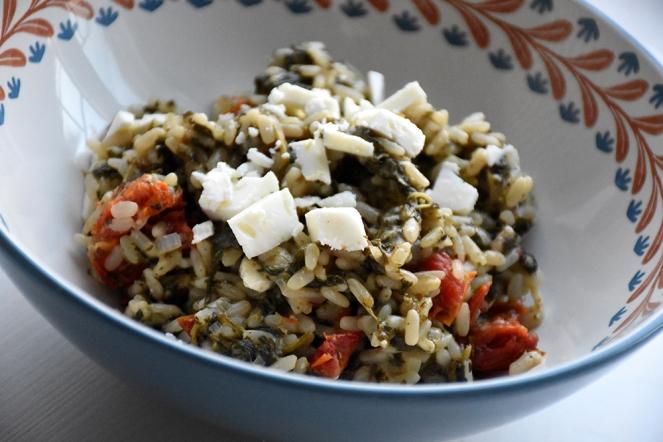 Risotto met spinazie, feta en tomaat