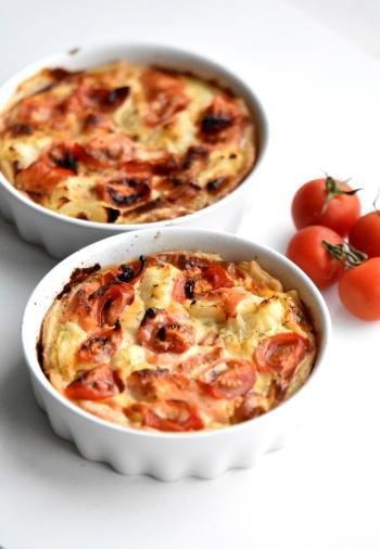 Zalmquiche met asperge, bloemkool en tomaat